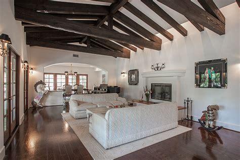 richard pryors  home sold   million