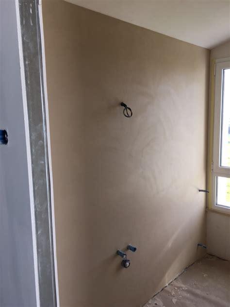 pareti doccia in resina pavimento bagno e vasca in resina parete luminosa