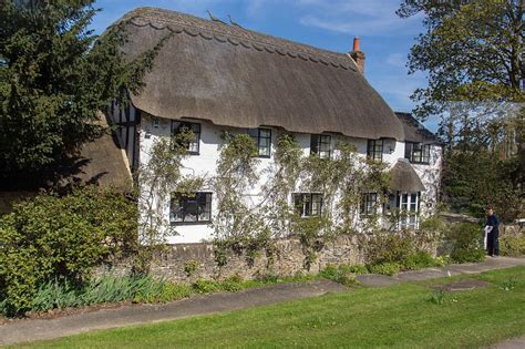 straw thatched roof file thatched roof cottage cotswolds 2016 jpg