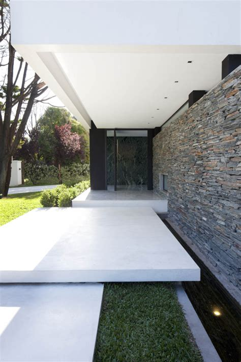 elements design remy genot carrara house by andres remy arquitectos in buenos aires