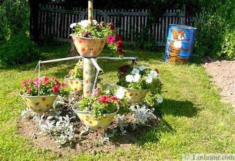 Summer Yard Decorations 22 containers with flowers to add to summer backyard designs