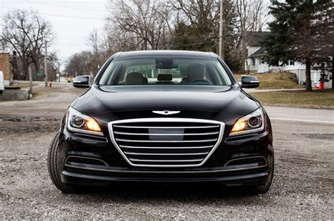 2015 hyundai genesis vs 2015 chrysler 300 vs 2015 hyundai genesis comparison