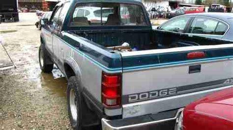 purchase used 1995 dodge dakota slt v8 5spd 4x4 in