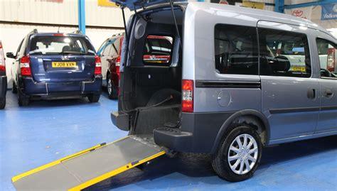 Rollstuhlgerechtes Auto by Vauxhall Wheelchair Accessible Car Nv10l Wheelchair