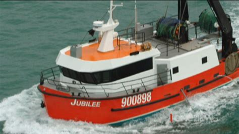 fishing boat sinks new zealand three missing and presumed drowned after fishing boat
