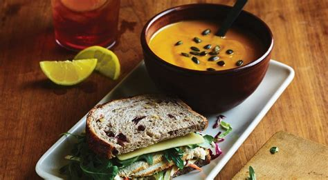 panera bread menu prices business hours holiday near