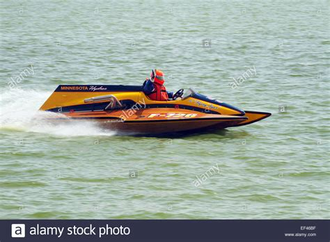 tri hull boat racing inboard hydroplane racing boat pictures to pin on