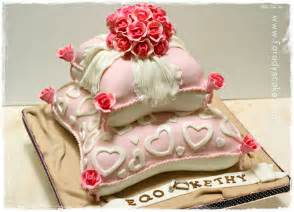 pillows to on wedding cake where everything is