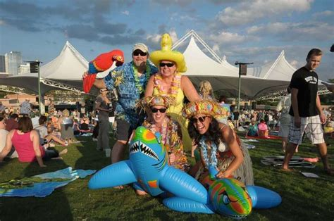 Jimmy Buffett Fans Dress Up In Their Finest For His