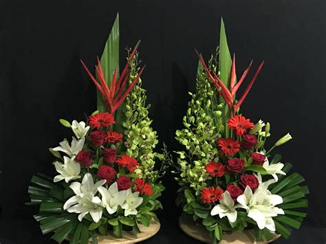 arreglos florales para confirmacion en iglesias pin de sopha chorn en flower arrangement pinterest