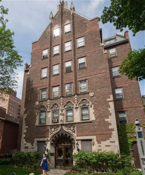 U Chicago Mba Real Estae by Of Chicago Sells Hyde Park Dorms To 3l Real