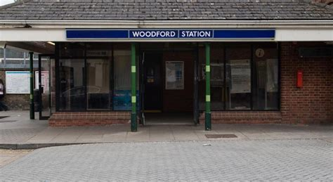 woodford green station modern house