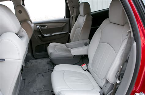 Suv Captain Chairs by Which Three Row Suvs Offer Second Row Captain S Chairs