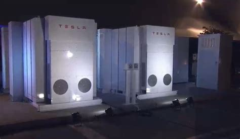 Tesla Voltage Tesla Reveals Battery Storage Solution 7kwh 10 Kwh 100 Kwh