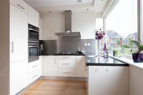 goedkope keukens twente witte keuken in u opstelling u keukens pinterest