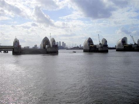 thames barrier moving the thames barrier london s moveable flood defense