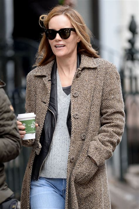 leslie mann street style leslie mann casual style out in nyc 3 22 2016