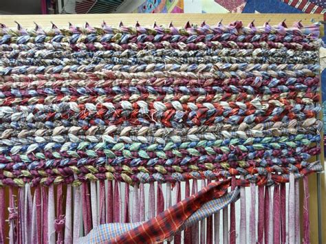 rug loom plans make it easier to create rag rugs with these plans for a