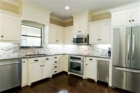 ideas for kitchens with white cabinets kitchen backsplash ideas fairmont homes