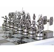 Gentle Giant Star Wars Chess Set  Boba Fett Collectibles
