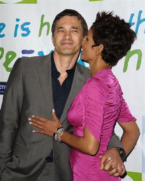 Halle Berry Has A New Dating Strategy by Halle Berry And Olivier Martinez Their Story In
