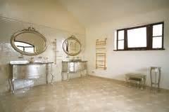 größe eines badezimmers marokkanisches badezimmer stockfotos bild 28809393