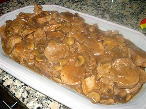 cuisiner un filet mignon de porc en cocotte recette de filet mignon de porc sauce au porto