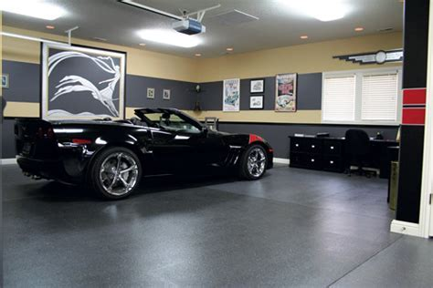 Contemporary Art Deco Decorative Concrete Garage