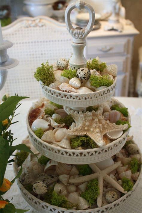 etagere dekorieren sommer wei 223 er vintage cupcakes st 228 nder muscheln seesterne moos