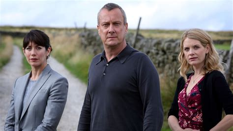 inspector banks cast dci banks set for 2016 return tellyspotting