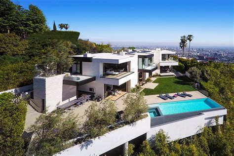 hollywood mansions why a 32 million hollywood mansion hasn t sold fortune