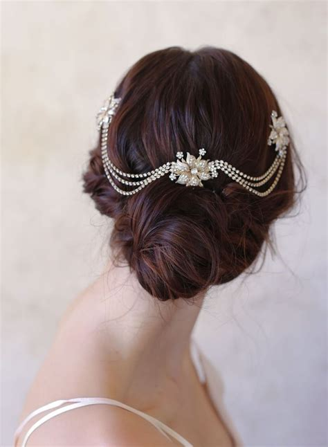 Updo Hairstyle Accessories by 25 Hair Accessories For A Vintage Bridal