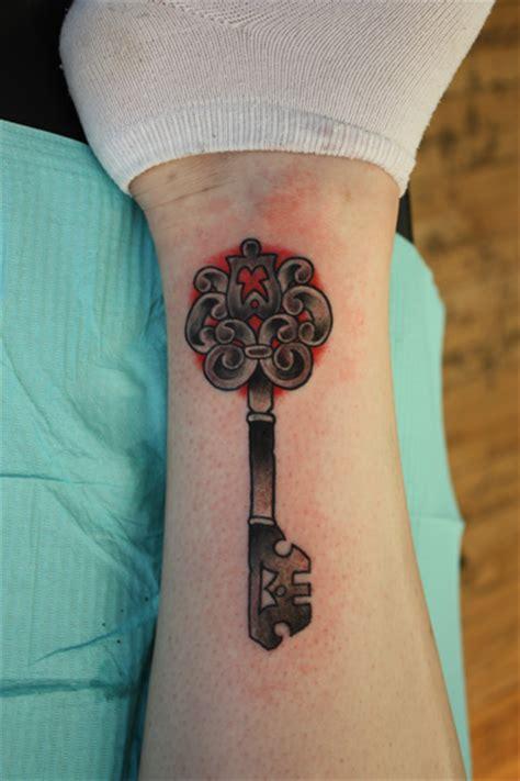 tattoo meaning skeleton key hot tattoo on women 20 pretty lotus flower tattoos foot