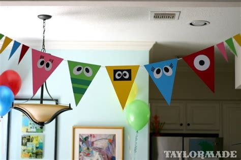 yo gabba gabba couch 107 best bunting banners images on pinterest