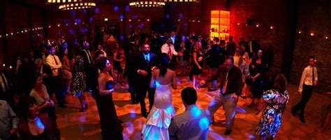 Top 5 Reception Songs   Chicago Wedding Blog