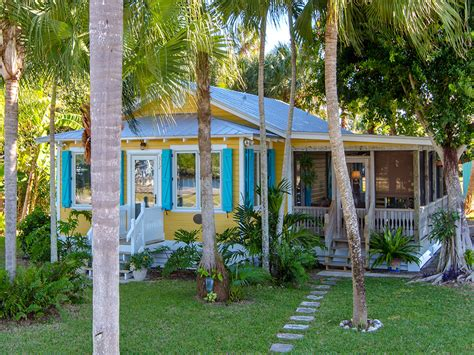 backyard cottages florida little everglades home