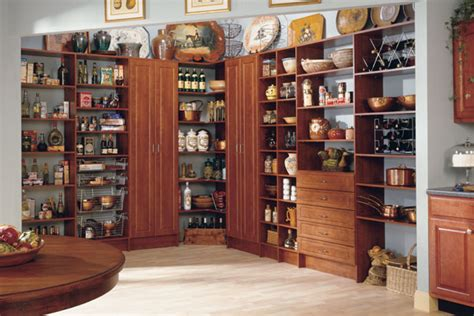 Pantry In Italian by Think Make Live Uber Organized Pretty Pantries