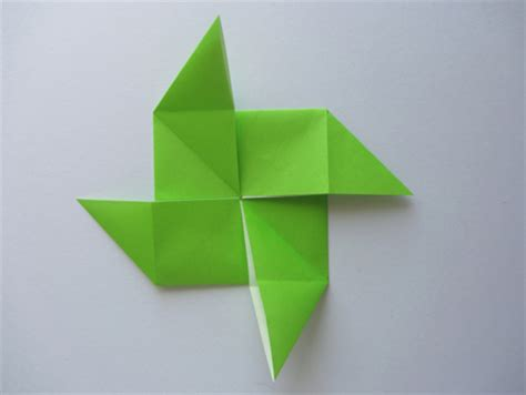How To Make A Pinwheel Origami - origami pinwheel base dollar origami
