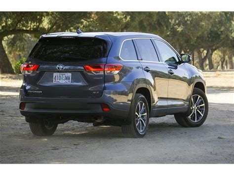 toyota highlander hybrid 2018 toyota highlander hybrid prices reviews and pictures u