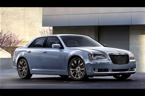 chrysler car 300 updated 2014 chrysler 300s gets quot blacked out quot pictures