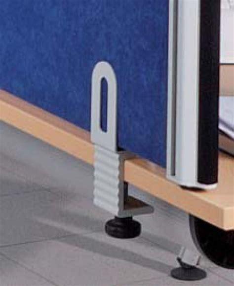 schreibtische mit trennwand systembau klein aluklett schallschutz akustik