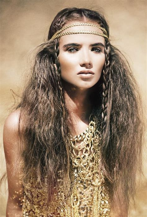 try braided hairstyles influenced by native american easy to rock festival hairstyles the vandallist
