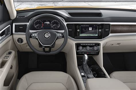 2018 volkswagen atlas look cuv debuts with