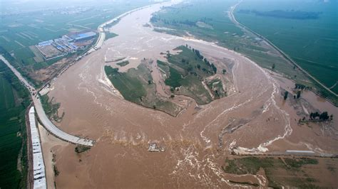 china another chemical kills 7 exposed to poison gas at paper mill floods kill 150 across china leave scores missing
