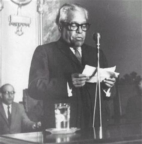 nicolas guillen biography in spanish cuba the black past remembered and reclaimed