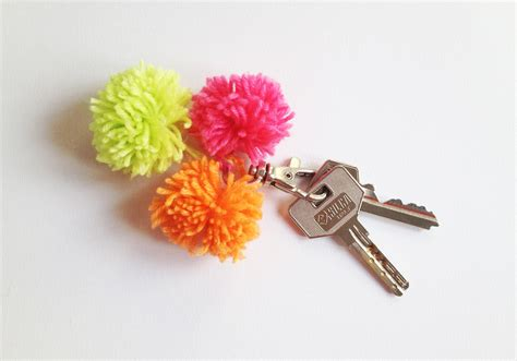 Gantungan Kunci Keren 3keychain 50 diy keychains for you your friends and your family