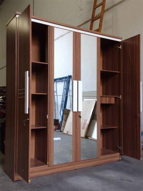 Cermin Ukuran Badan jual best deal lemari pakaian 4 pintu dengan cermin