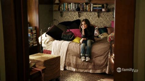 aria montgomery bedroom http farm6 static flickr com 5171 5566