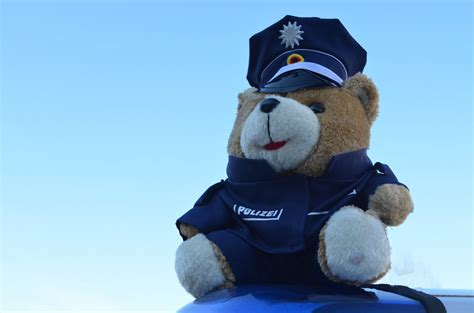 Protos Helm Aufkleber by Polizei Teddy Polizeiteddy Pl 252 Schteddy Kuscheltier Mih