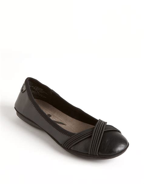 lord and shoes flats klein sloan ballet flats in black lyst
